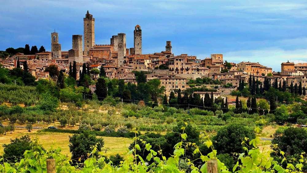 San Gimignano - Tuscany wallpaper