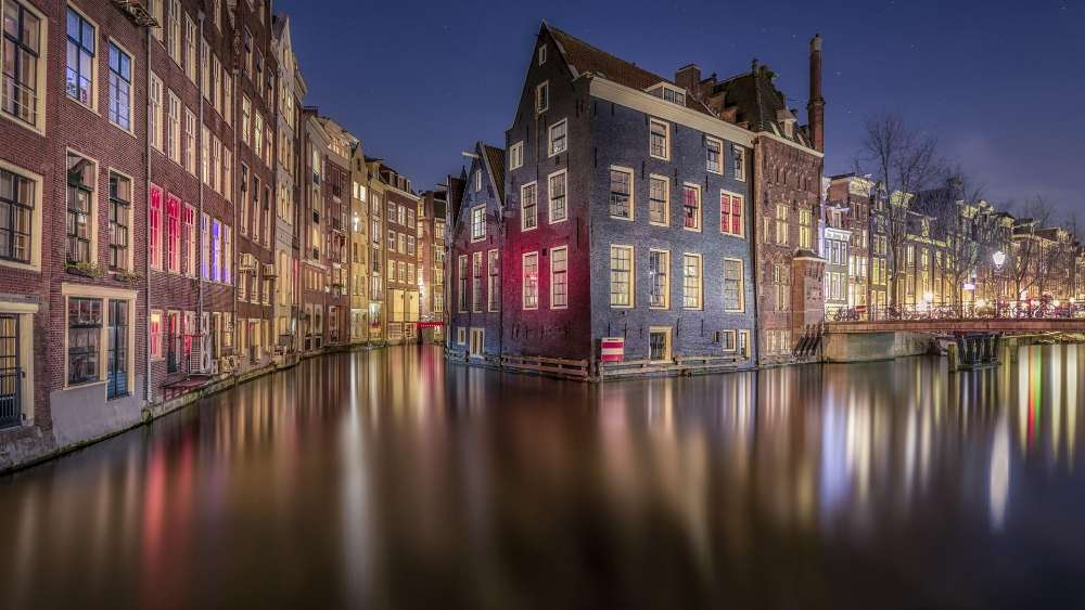 Amsterdam canal at night, Netherlands wallpaper