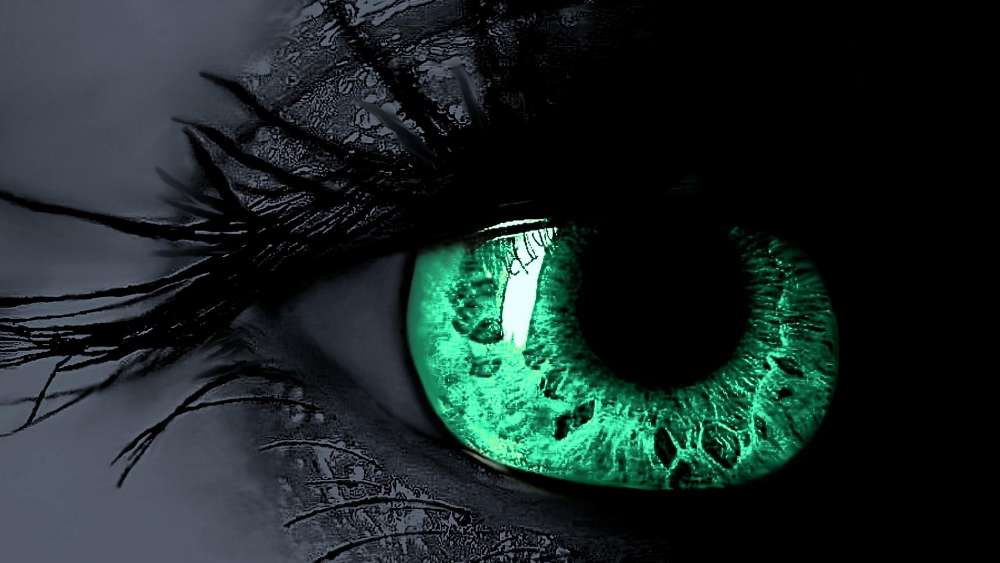 Green eye wallpaper
