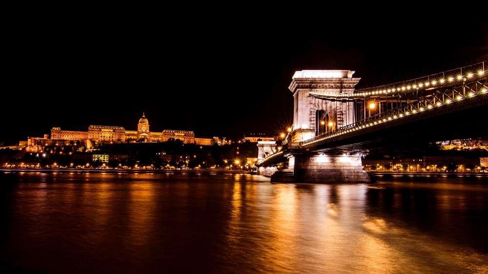 Chain Bridge in Hungary wallpaper