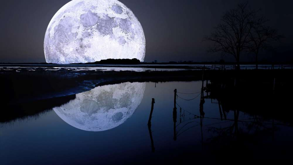 Super moon reflection wallpaper
