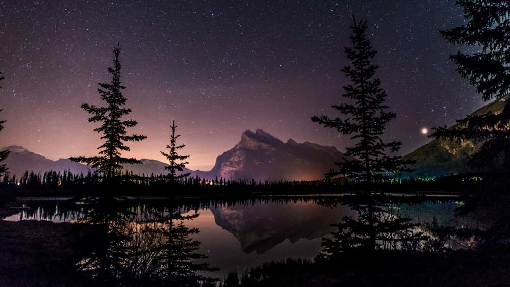 Vermilion Lakes and Mount Rundle by night wallpaper