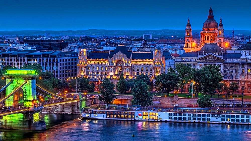 St Stephens Basilica, Budapest wallpaper