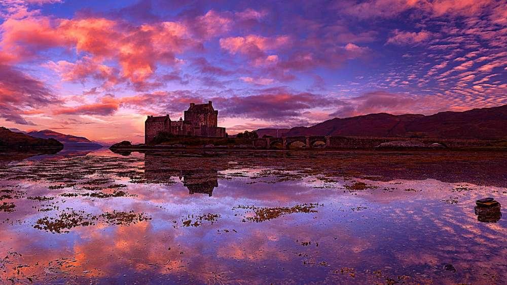 Eilean Donan Castle reflection wallpaper