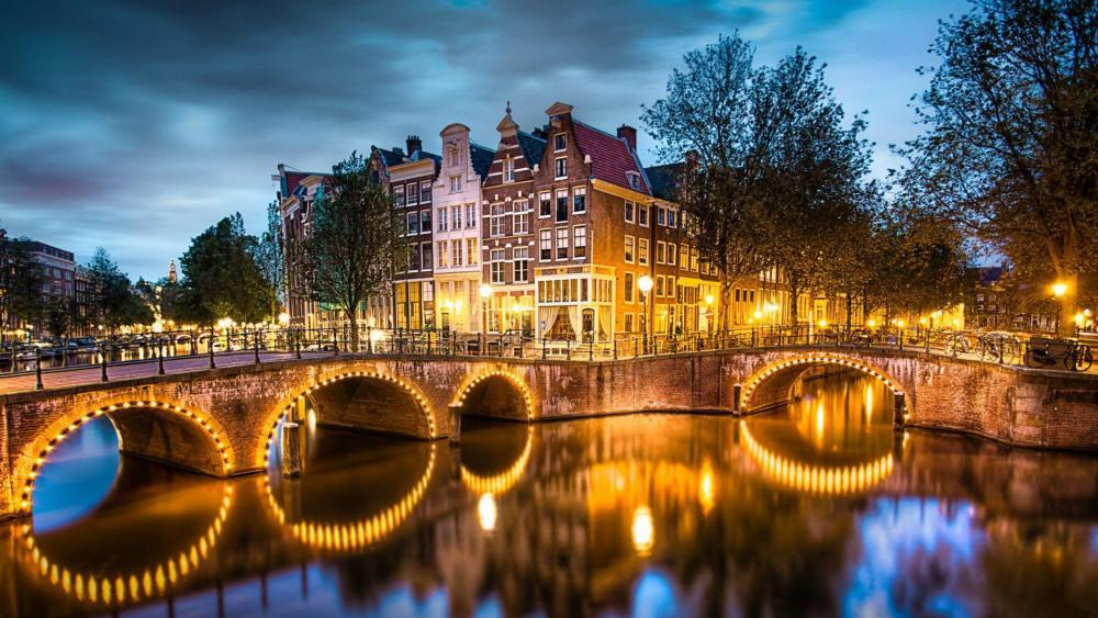 Keizersgracht Canal - Amsterdam wallpaper