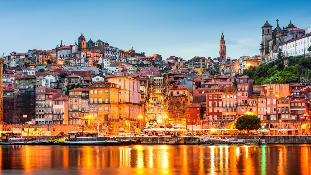 Douro River panorama of Vila Nova de Gaia, Porto, Portugal wallpaper