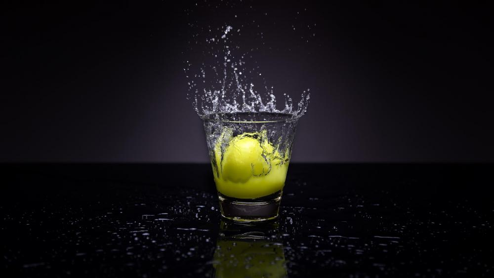 Lemon splash wallpaper