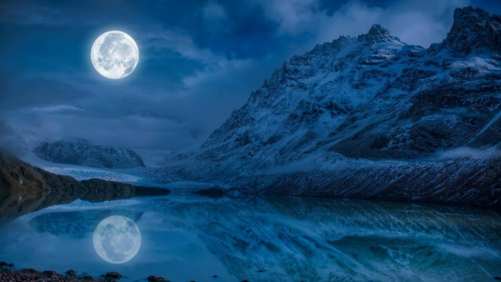 Cerro Torre in the full moon wallpaper