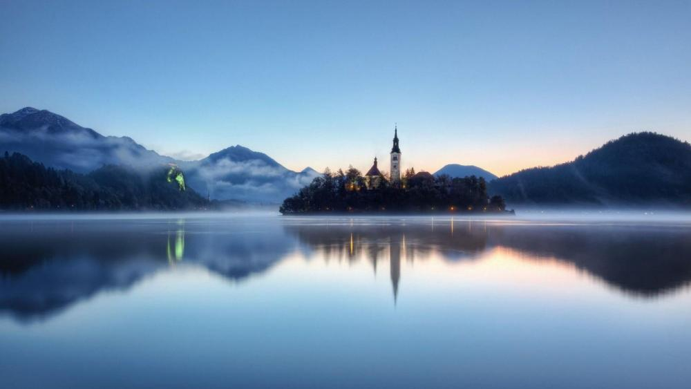 Misty Lake Blad and Bled Castle wallpaper