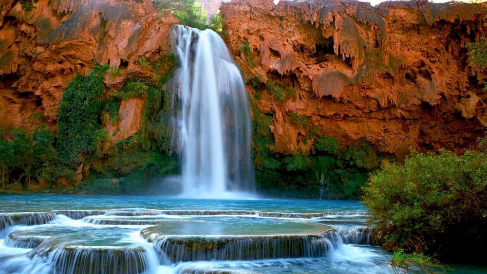 Havasu Falls and its plunge pools wallpaper