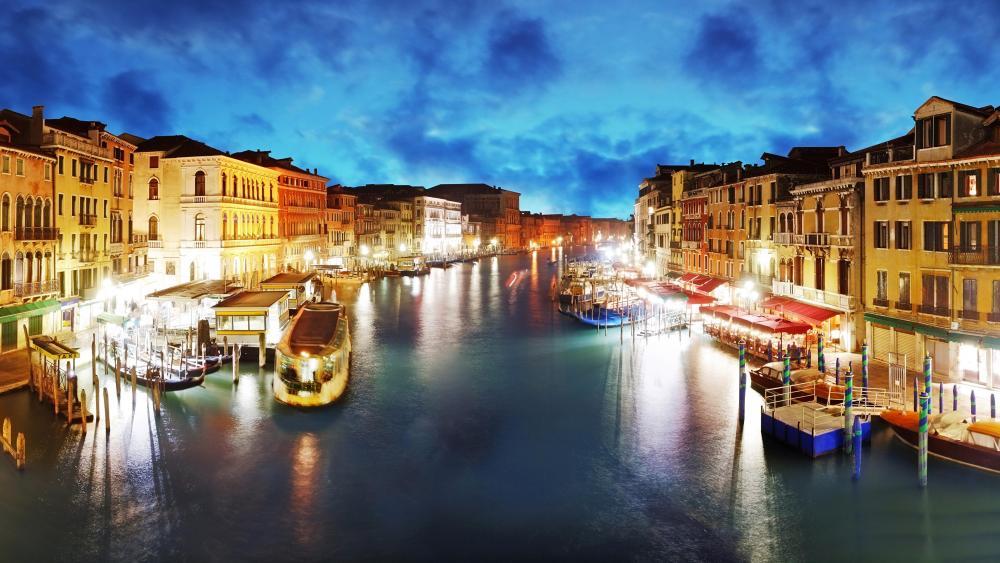 Venice canal - Italy wallpaper