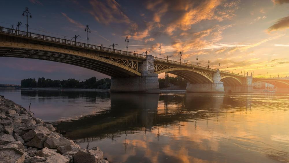 Sunset at Budapest wallpaper
