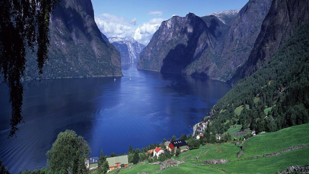 Aurlandsfjord panorama wallpaper