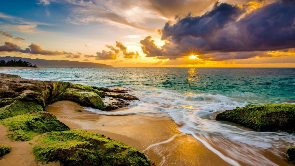 Sunrise over Maui beach wallpaper