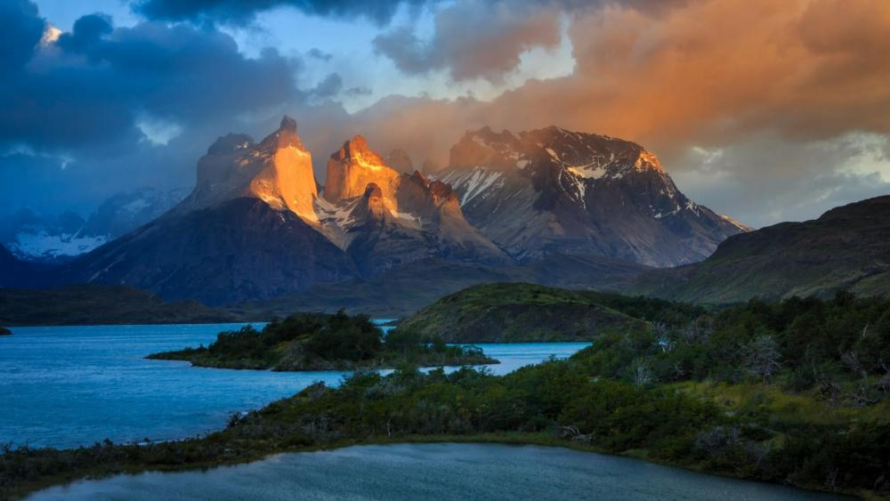 Torres del Paine National Park - Patagonia, Chile ⛰ wallpaper