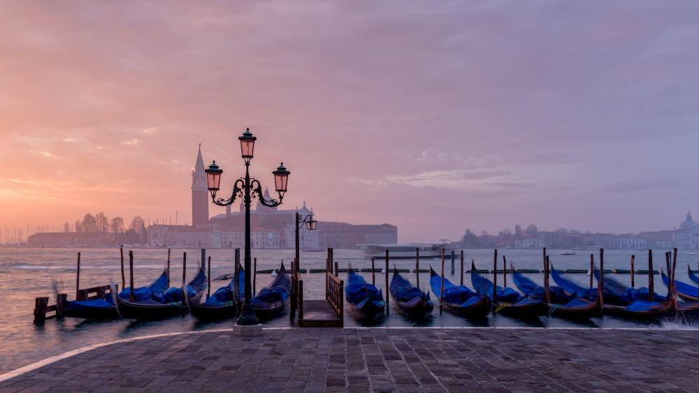 Evening in the Piazza San Marco wallpaper