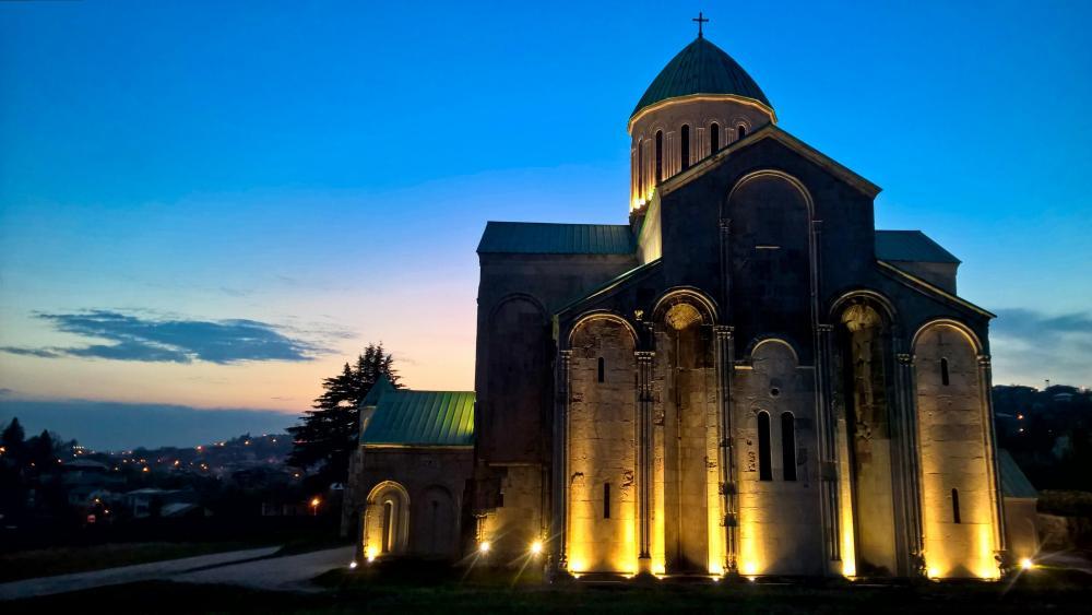 ⛪️ Bagrati Cathedral - Kutaisi, Gerogia wallpaper