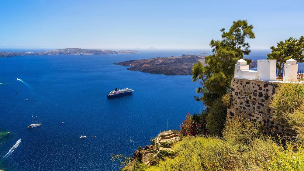 Blue sea in Santorini, Greece  wallpaper
