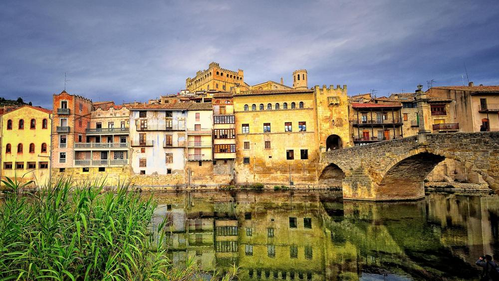 Castle Valderrobres, Spain wallpaper