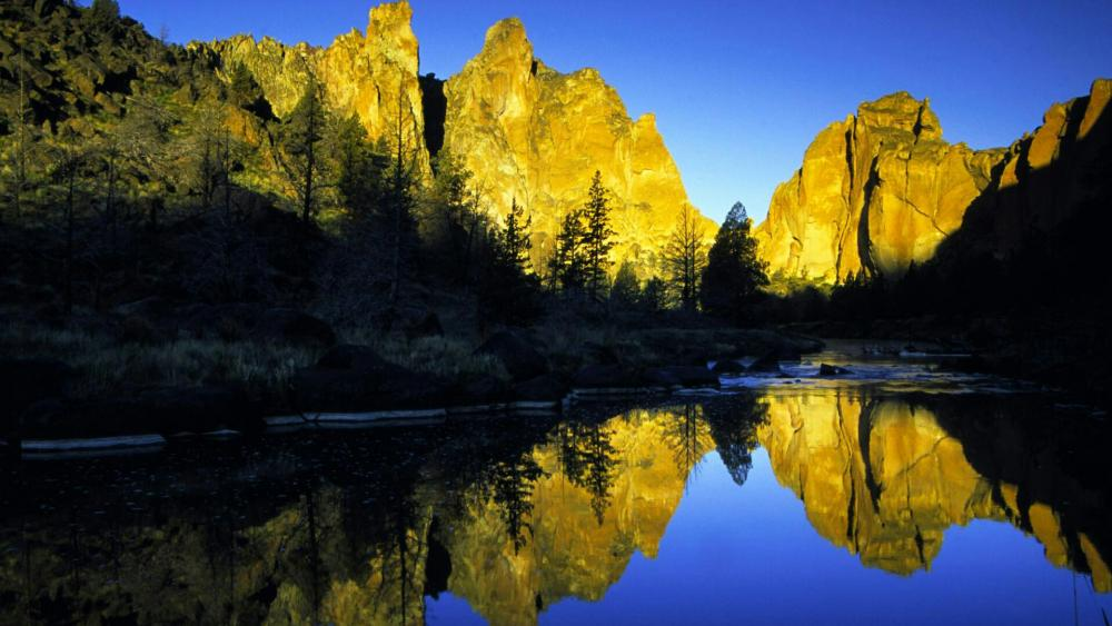 Crooked River in the Smith Rock State Park, Oregon  wallpaper