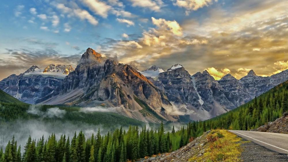Valley of the Ten Peaks in Banff National Park wallpaper