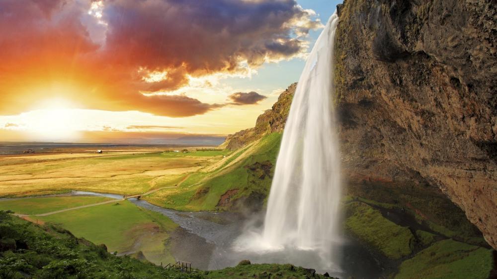 Seljalandsfoss waterfall wallpaper
