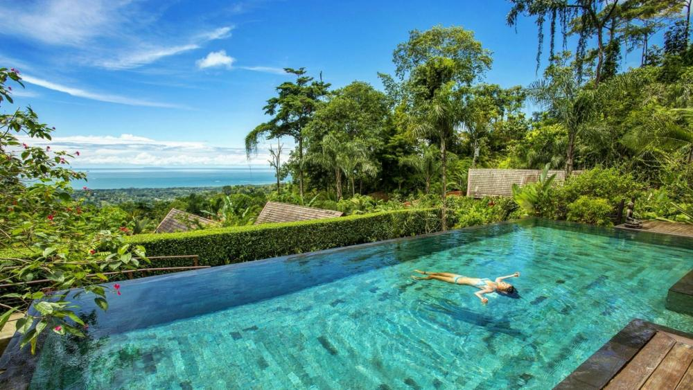 Swimming in Costa Rica wallpaper