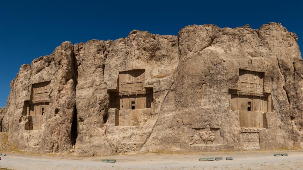 Naqsh-e Rustam necropolis - Iran wallpaper