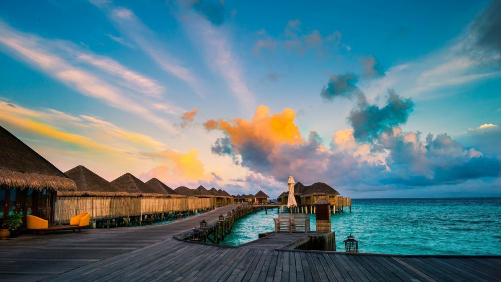 Water villas in the Maldives wallpaper