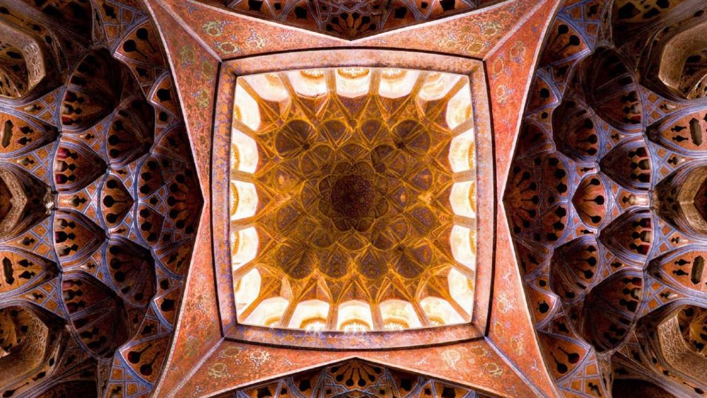 Ali Qapu Palace, Isfahan, Iran wallpaper