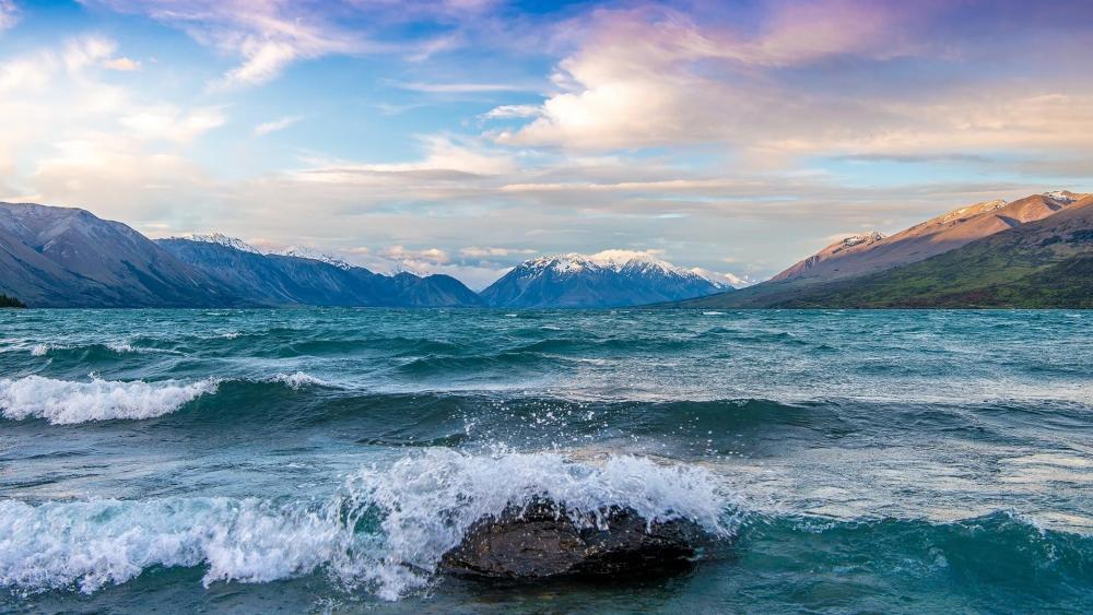 Lake Ohau waves - New Zealand wallpaper