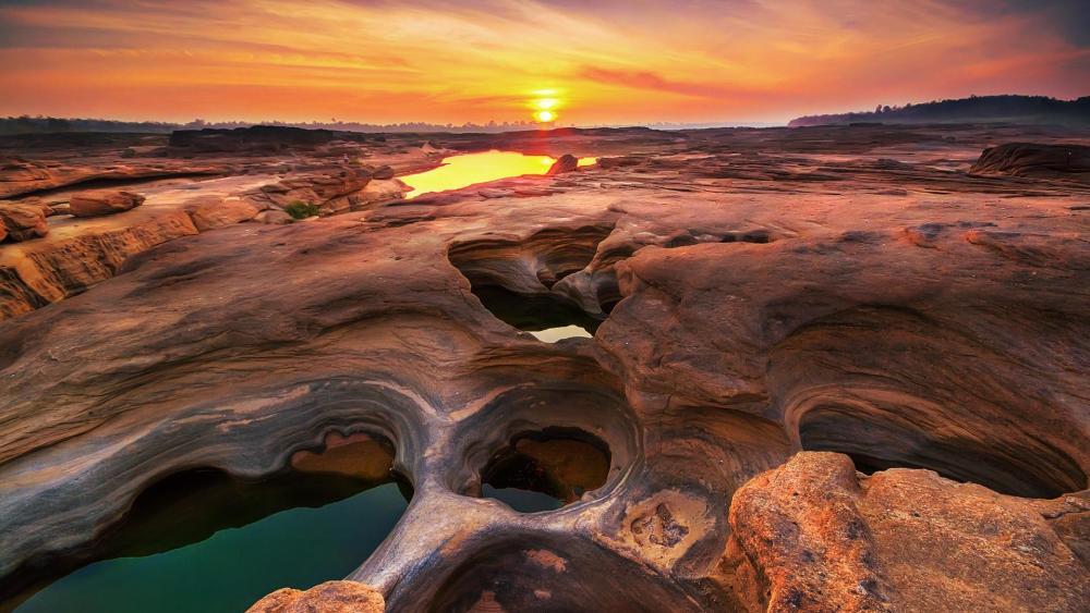 Grand Canyon of Thailand - Sam Pan Bok wallpaper