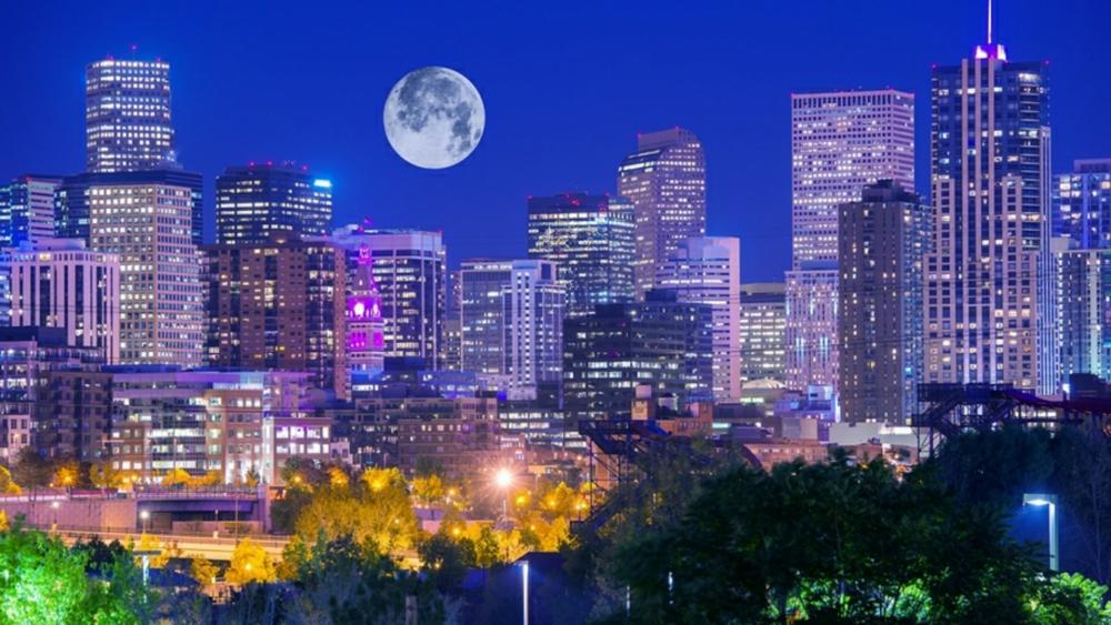 Full moon over Denver wallpaper