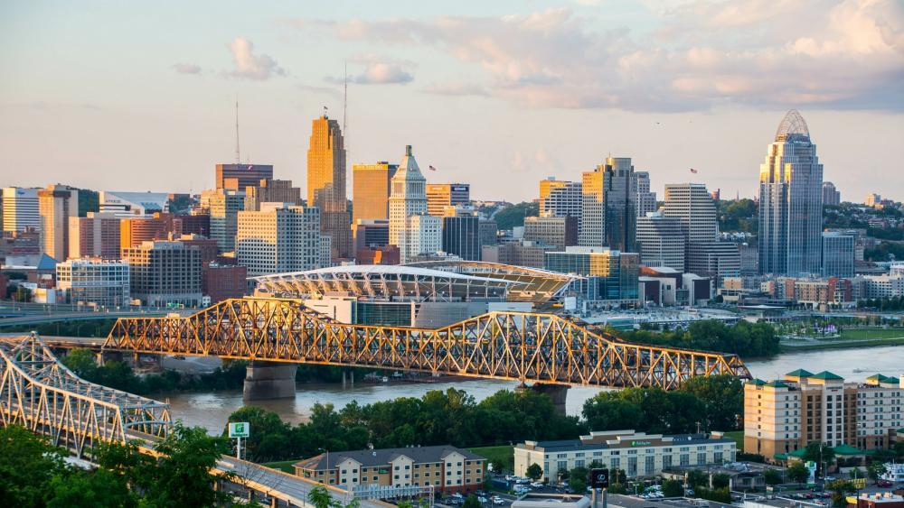 Cincinnati and the Ohio River wallpaper