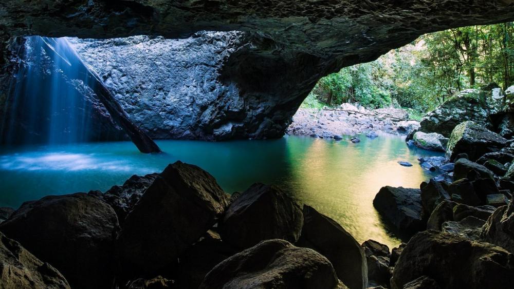 Natural Bridge, Springbrook National Park, Queensland, Australia wallpaper
