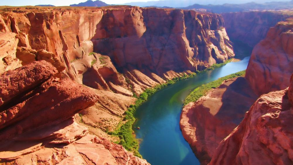 Colorado River Horseshoe Bend in Glen Canyon National Recreation Area wallpaper