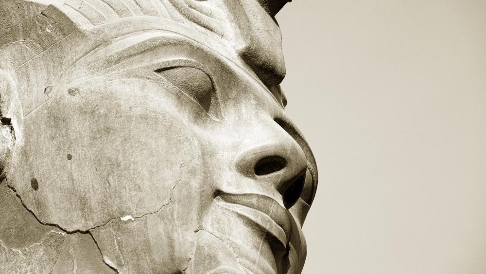 Head statue of Ramses II wallpaper