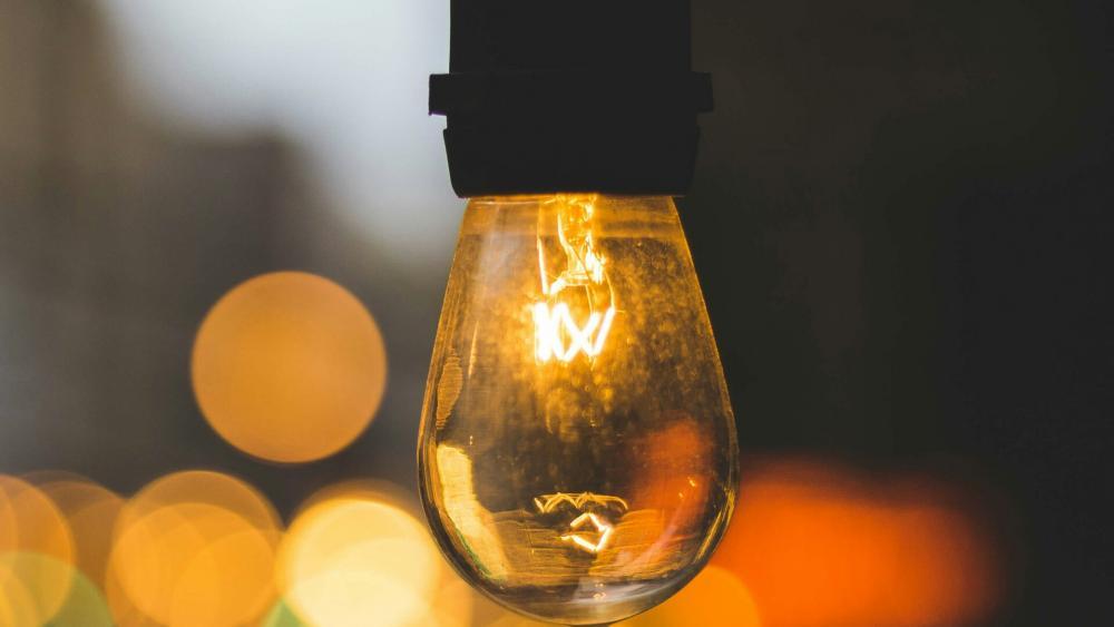 Light bulb with bokeh effect wallpaper