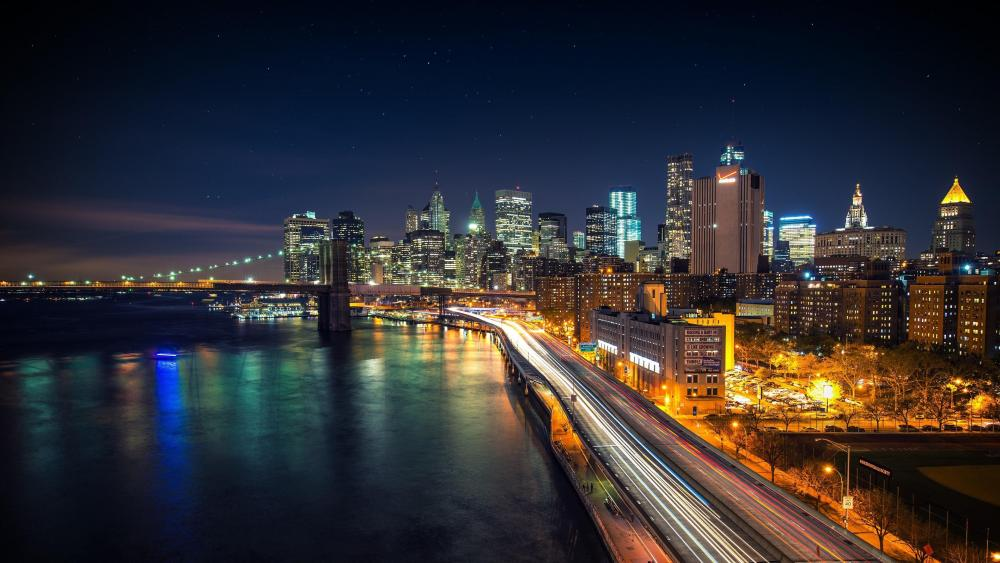 Brooklyn Bridge and the Lower Manhattan skyline at dusk, New York City wallpaper