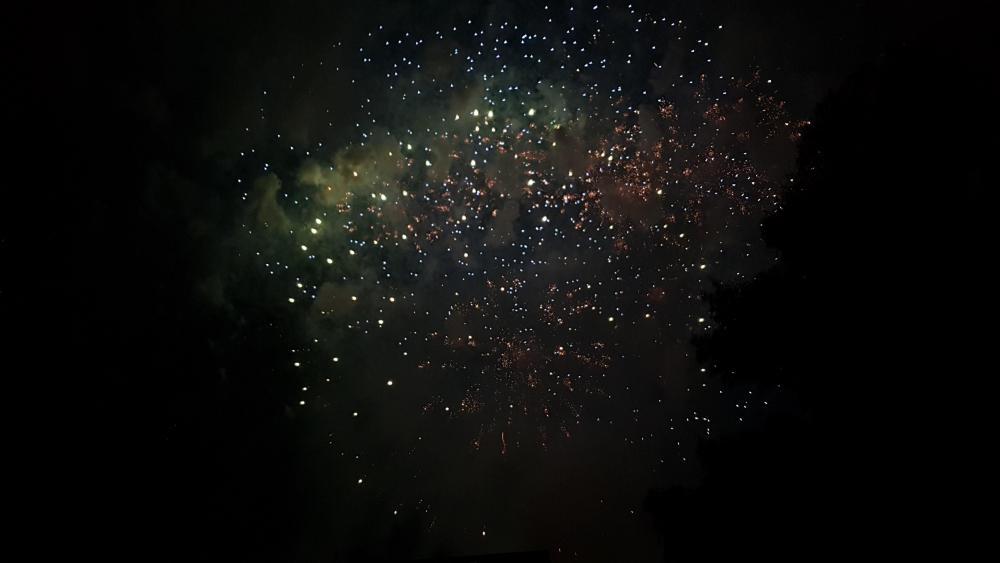 Fireworks on the night sky wallpaper