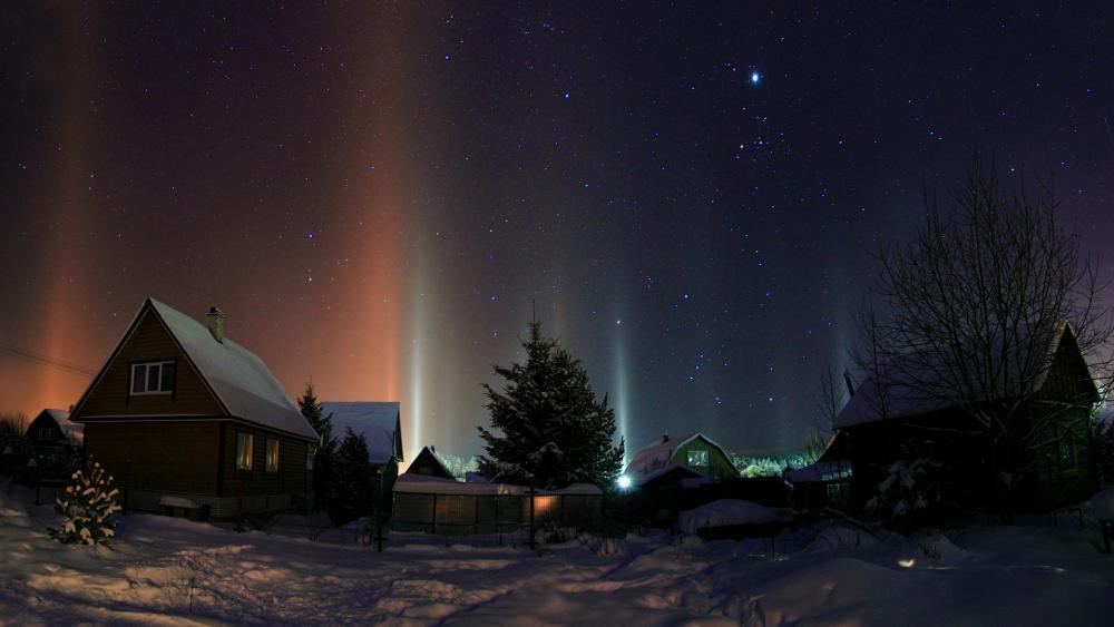 Light pillar phenomenon in Russia ✨ wallpaper