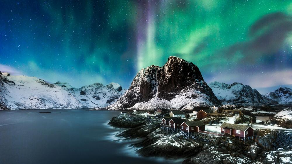 Polar lights over Lofoten, Norway wallpaper