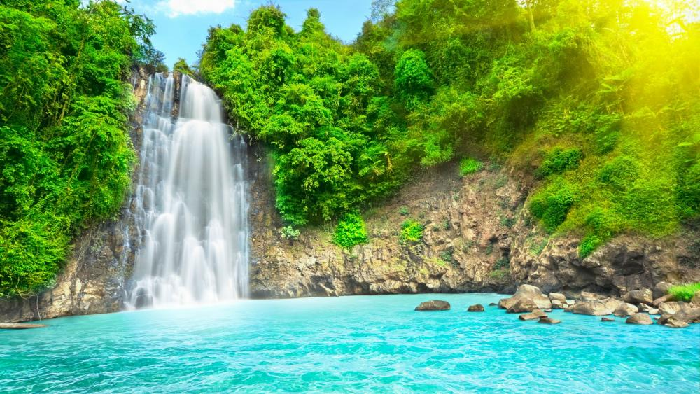 Waterfall pool - Dambri Falls, Vietnam wallpaper