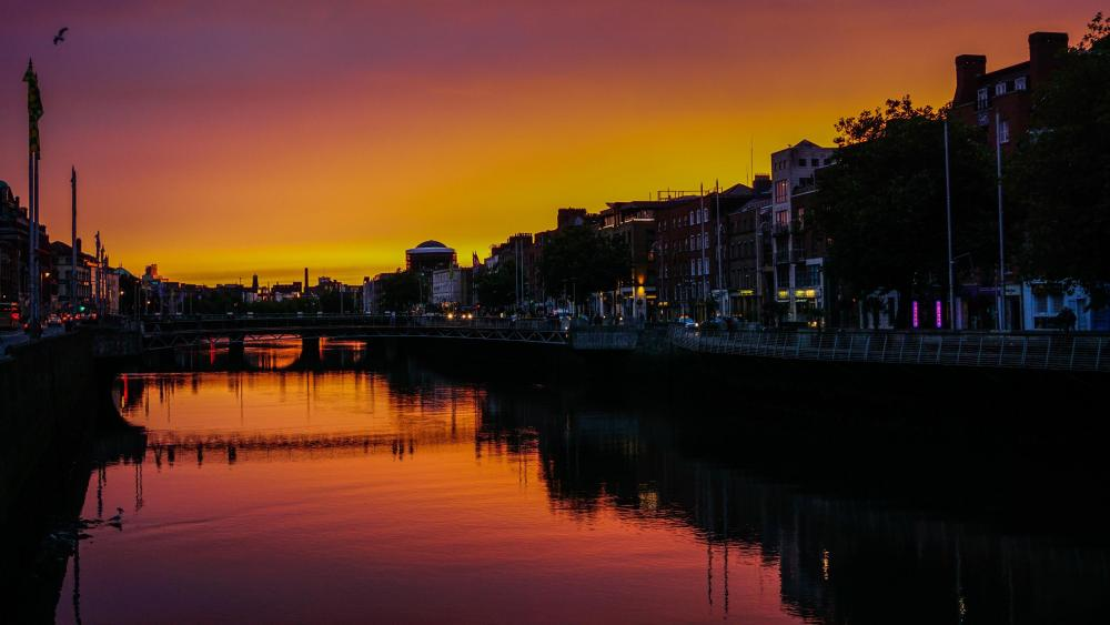 Sunset in Dublin wallpaper