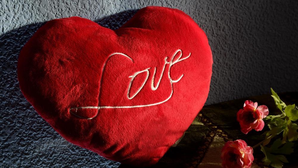 Heart pillow wallpaper