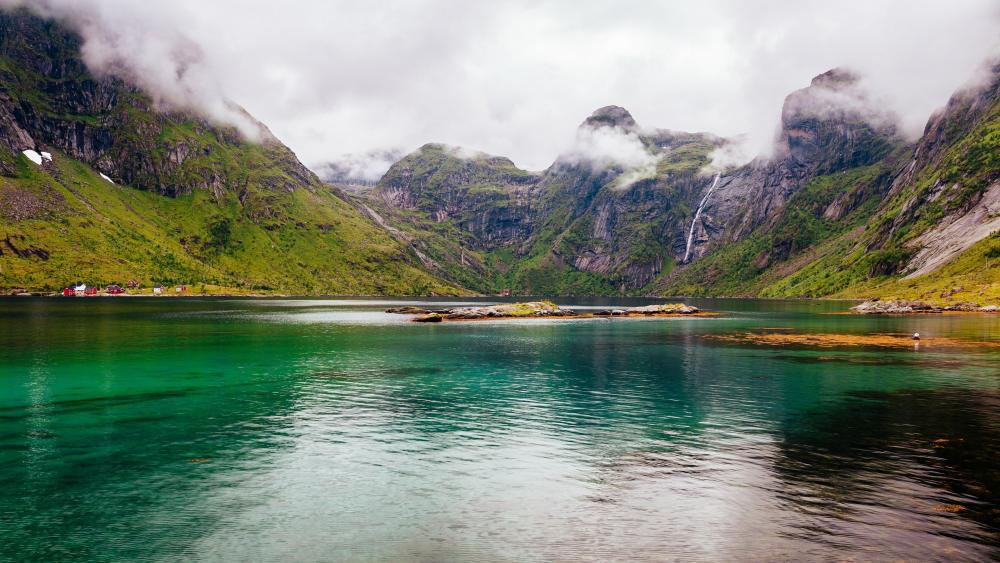 Beautiful Lofoten Lake wallpaper