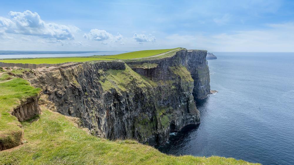 Cliffs of Moher, Ireland wallpaper