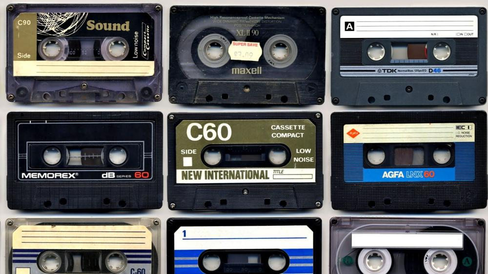 Vintage cassettes wallpaper