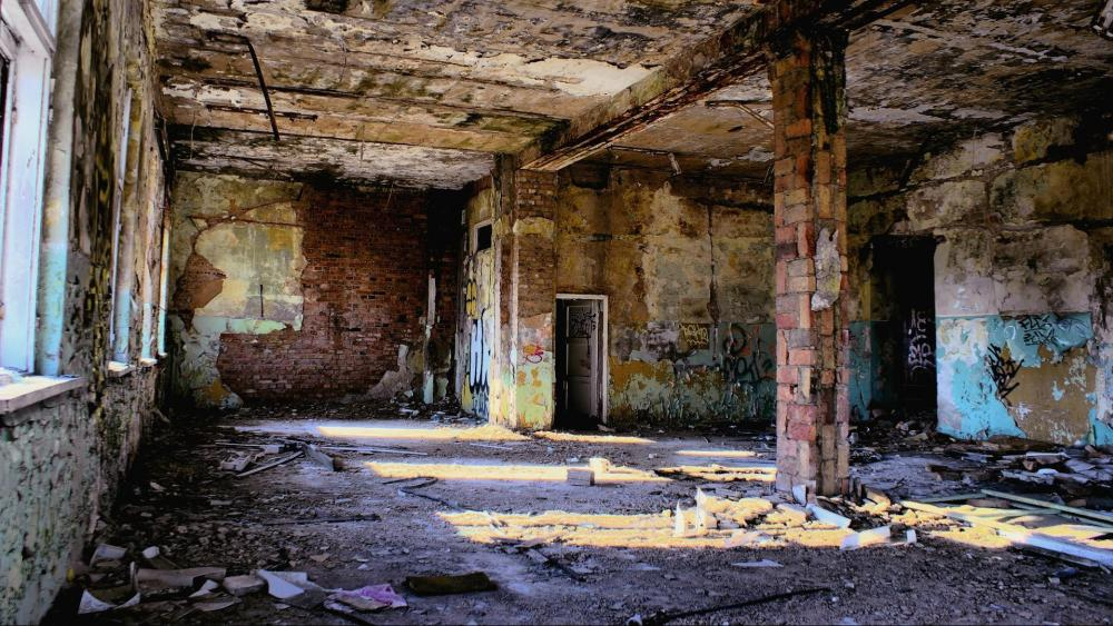 Inside the abandoned city of Pripyat wallpaper