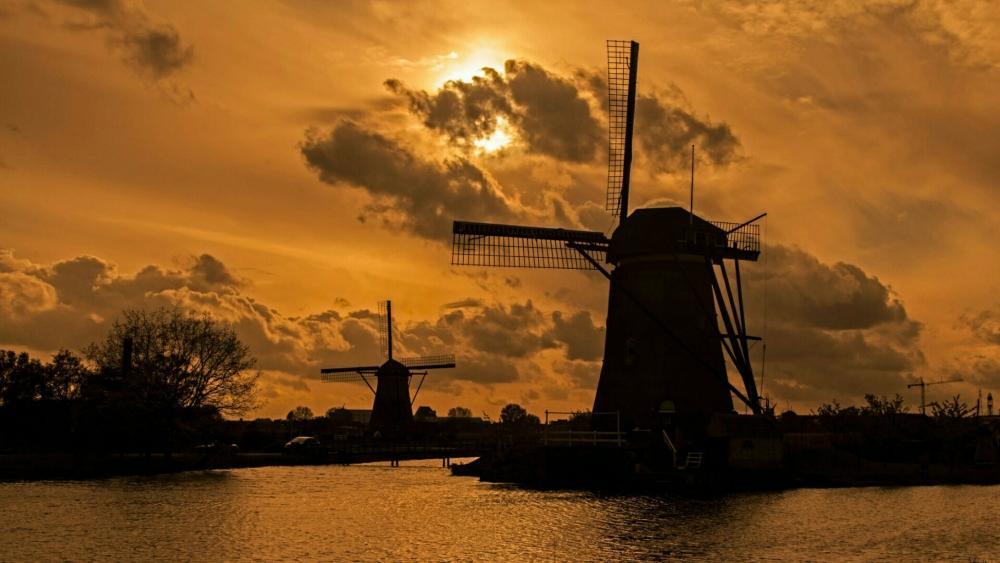 Mill Network at Kinderdijk-Elshout Netherlands wallpaper